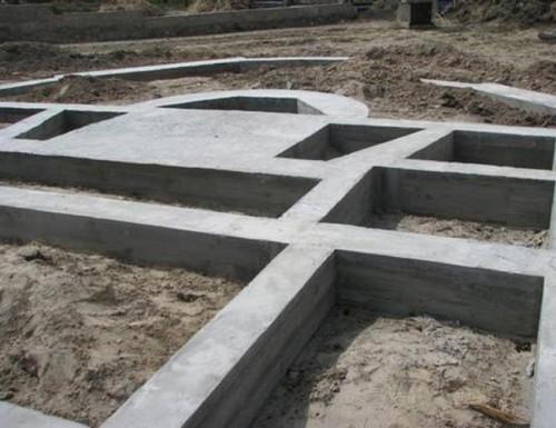zakladka-lentochnogo-fundamenta